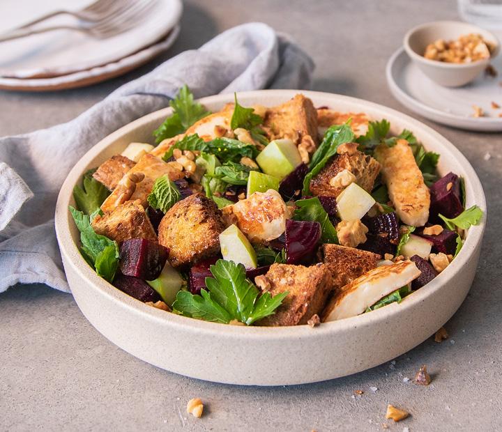 Halloumi & Crouton Salad